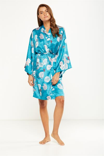 Rocking Robe, CHRYSANTHEMUM