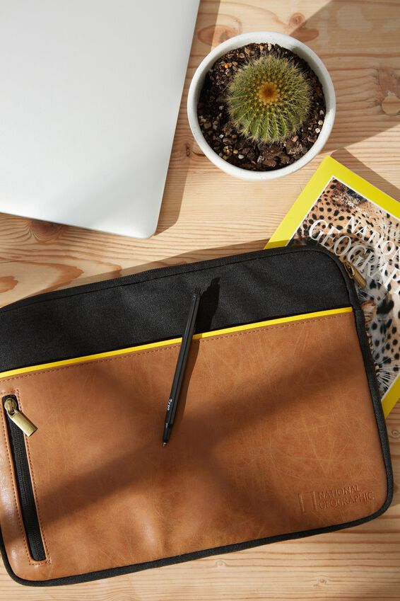 Take Charge Laptop Cover 13 inch, LCN NG NAT GEO