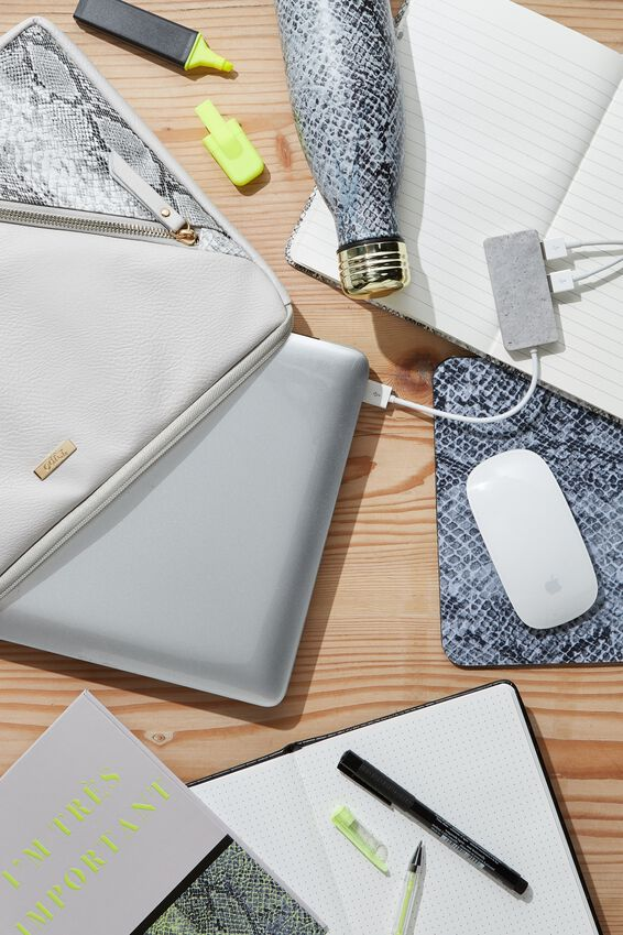 Premium Laptop Case 13 inch, SNAKE PRINT