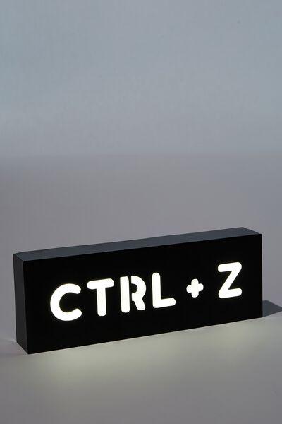 Metal Block Light, CTRL + Z