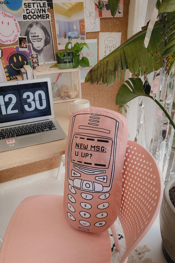 Canvas Cushy Cushion, RETRO MOBILE PHONE
