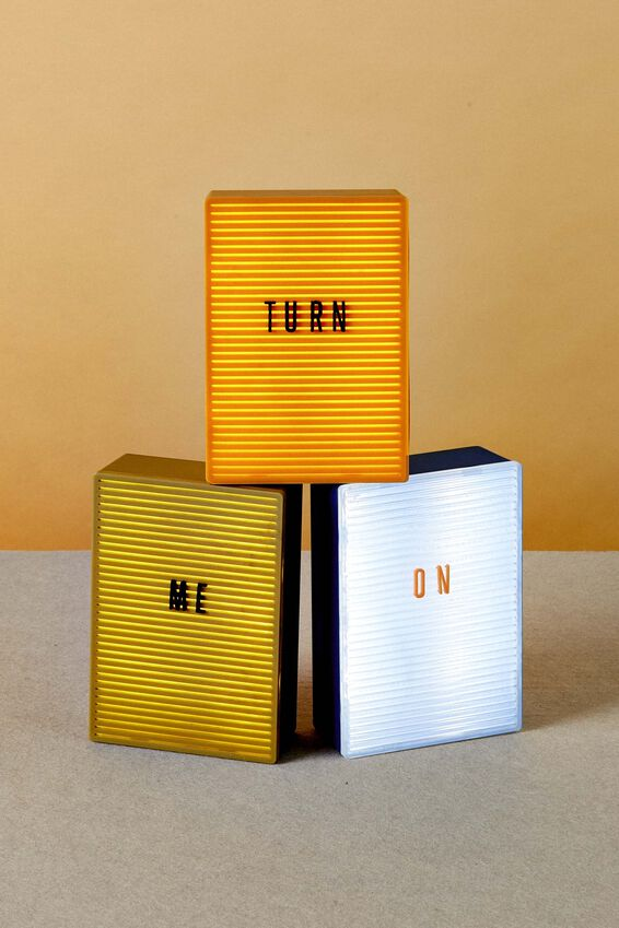 Micro Light Box, MUSTARD
