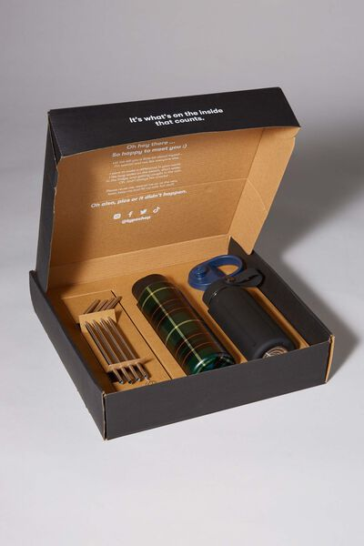 Sustain Me Gift Box, BLACK AND FLANNO CHECK