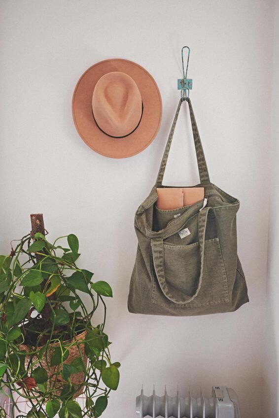 The Daily Tote Bag, WASHED KHAKI