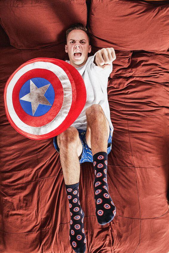 Marvel Get Cushy Cushion, LCN MARVEL CA SHIELD